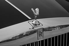 Frontowy widok emblemata duch ekstaza nowy bardzo drogi Rolls Royce Fikcyjny samochód, długa czarna limuzyna, model outdoors da obrazy royalty free