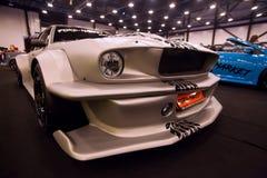 Frontowy widok samochodowy Ford mustang z nastrajaniem Fotografia Stock