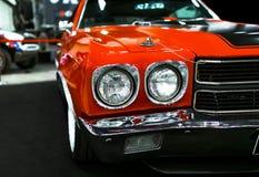 Frontowy widok wielki retro amerykański mięsień samochodowy Chevrolet Camaro SS Samochodowi powierzchowność szczegóły Zdjęcie Royalty Free