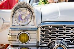 Frontseite des alten Autos Stockbilder