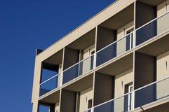 Frontseite eines Gebäudes Lizenzfreies Stockbild