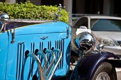 Frontseite von Alvis Drehzahl 20 auf Weinlese-Auto-Parade Stockbild