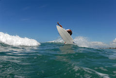 Frontside 360 van Surfer royalty-vrije stock fotografie