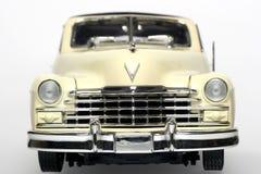 Frontview 1947 dell'automobile del giocattolo della scala del metallo del Cadillac Fotografia Stock Libera da Diritti
