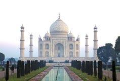 Frontview Taj Mahal Hazy Morning sem povos fotos de stock