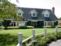 frontyard luksus domowy wielki Zdjęcia Royalty Free