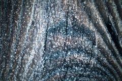 Frost auf einer alten Holzoberfl?che Wintermorgentau und -c$einfrieren getont lizenzfreies stockfoto