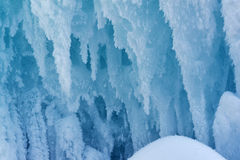 Frostade blåa istappar Royaltyfria Foton