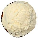 Frosted Cynamonowej babeczki wysokości kąta widok Nad bielem zdjęcia royalty free