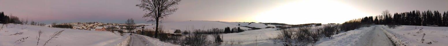 frostig vinter för morgonnatursnowfall Arkivbild