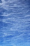 Frostmuster auf einem Fensterglas Stockbilder