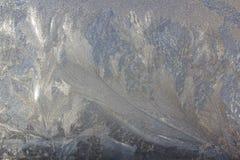 Frosty Pattern na janela no inverno Fundo do inverno Estado agregado de água Fundo modelado fotografia de stock royalty free