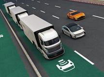 Frota dos caminhões híbridos autônomos que conduzem na pista de carregamento sem fio ilustração royalty free