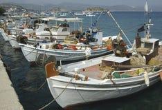 Frota pesqueira nas ilhas gregas fotos de stock