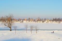 Free Frozen Neva River Royalty Free Stock Images - 22196169