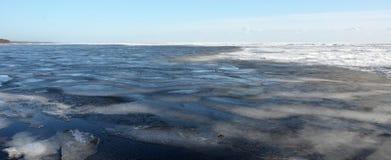 Frozen sea shore Royalty Free Stock Photos