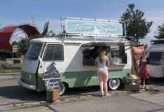 Frozen yoghurt food truck Stock Photography
