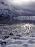 Frozingsoverzees dichtbij Svolvaer op Lofoten, Noorwegen Stock Foto