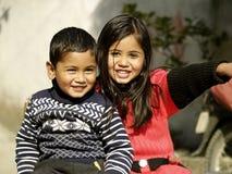 Frère et soeur heureux Photographie stock