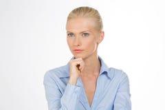 Försiktig kvinna på closeupen Royaltyfria Bilder