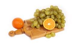 Frucht auf dem Tisch Lizenzfreie Stockfotos