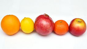 Frucht auf einem weißen Hintergrund Stockfoto