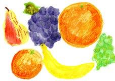 Frucht auf einem weißen Hintergrund Kind-` s Zeichnungs-Wasserfarbe, Wachszeichenstifte Lizenzfreies Stockfoto
