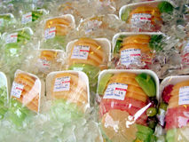 Frucht auf Eis Lizenzfreie Stockfotografie