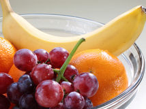 Frucht in einer Schüssel Lizenzfreies Stockbild