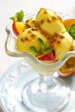 Frucht-Eiscreme Lizenzfreie Stockfotos