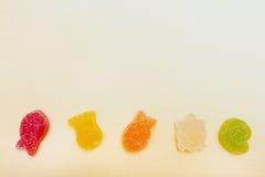 Frucht-förmige Zahlen in einer Marineart Stockfotografie