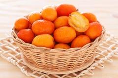 Frucht Jocote (Rotes, Purpurrotes Mombin, Schwein-Pflaume, Ciruela Huesito, Sünde Stockfoto