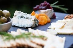 Frucht, Käse und Cracker Lizenzfreies Stockbild