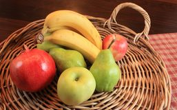 Frucht-Korb Lizenzfreie Stockfotos