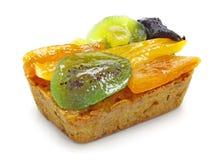 Frucht-Kuchen über Weiß Stockfoto