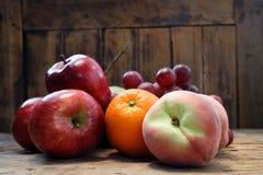 Frucht-Servierplatte Lizenzfreies Stockbild