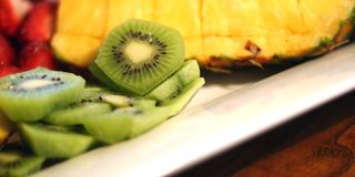 Frucht-Teller 2 lizenzfreie stockbilder