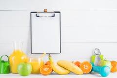 Frucht und Saft Lizenzfreies Stockfoto