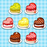 Frucht-und Schokolade Kuchen in Form von Herzen Lizenzfreie Stockfotografie