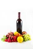 Frucht und Wein lizenzfreie stockfotos
