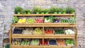 Fruchtgemüse-Regalhintergrund lizenzfreie stockfotografie