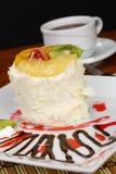 Fruchtkuchen mit Kiwi und Erdbeere Lizenzfreies Stockbild