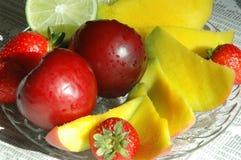 Fruchtmehrlagenplatte Stockfotos