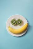 Fruchtplatte der Kinder lizenzfreies stockfoto