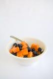 Fruchtsalat-Papaya und Blaubeere Stockfoto