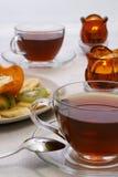 Fruchtsalat und Tee Stockbilder