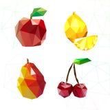 Fruchtsatz Polygone Apple, Zitrone, Kirsche und Birne Vektor Lizenzfreie Stockfotos