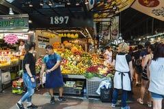 Fruchtstand in La Boqueria-Markt, Barcelona Lizenzfreies Stockbild