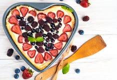 Fruchttörtchen mit Beeren Stockfotos