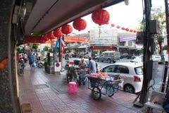 Fruchtverkäufer an der Straße Lizenzfreie Stockbilder